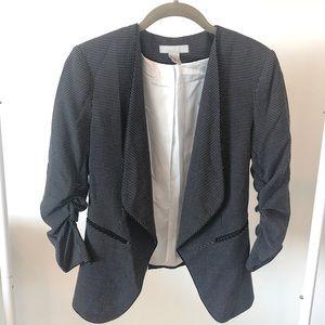 💥Host Pick💥NWOT H&M 3/4 Sleeve Blazer